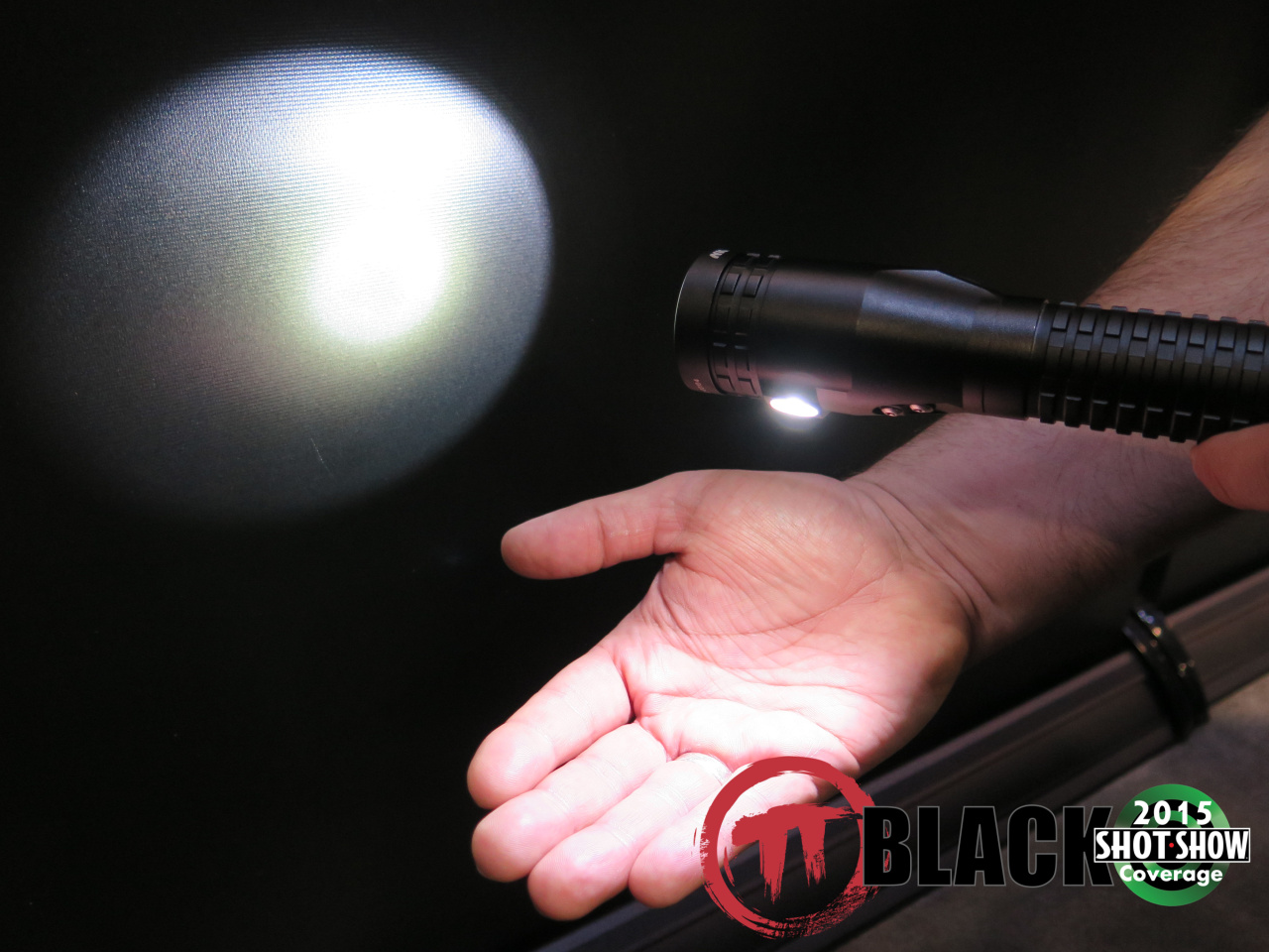 NightStick Dual Light Technology